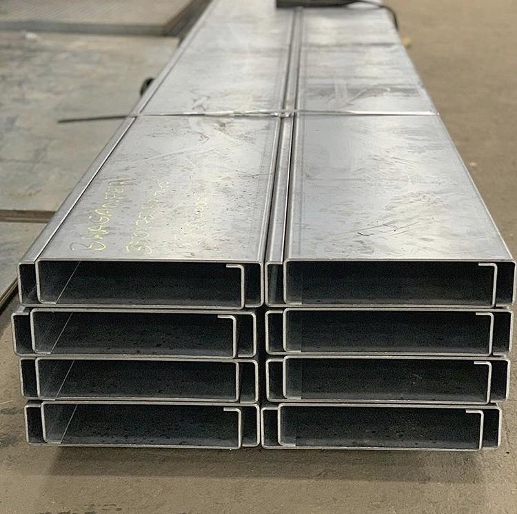 Perfil u aço carbono